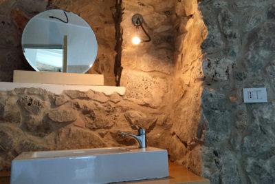 Residenza Pajara Marancio bagno specchio lavandino   Casa Vacanze in affitto Salento Feudo Frammasi